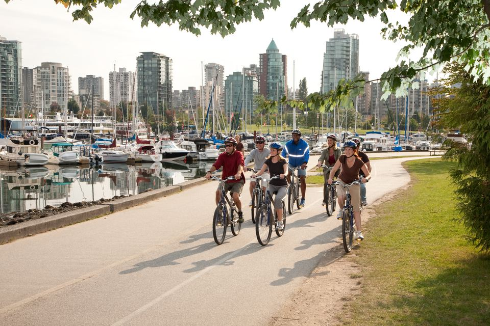 vancouver-seawall_biking-treloar-physiotherapy-clinic